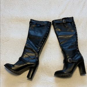 Shoe dazzle knee high boots with gold details